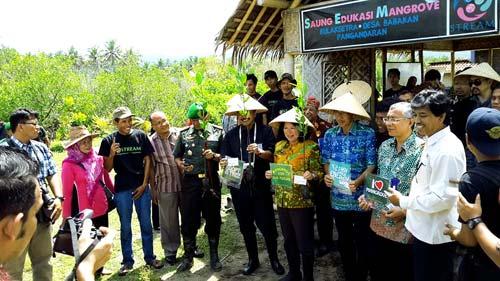 Tinjau Potensi Pariwisata dan Ekonomi Kreatif, Menteri Elka Pangestu Sambangi Pangandaran