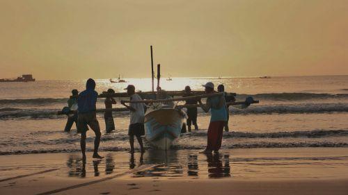 Perahu Nelayan Pantai Barat Pangandaran Bakal di Pindah, Ini Penjelasannya