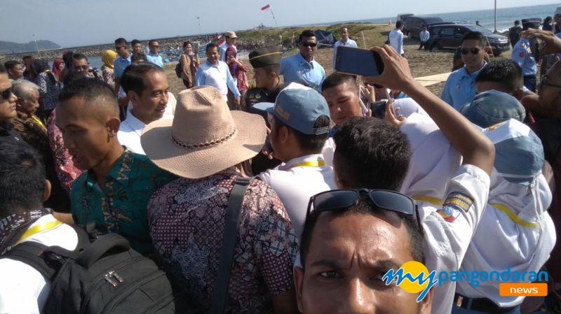 Pertemuan Jokowi dan Para Tokoh Masyarakat Jawa Barat Terpaksa Diundur