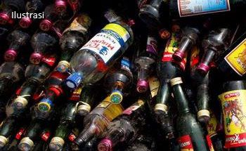 Polisi Sita Puluhan Liter Miras Oplosan dari Kafe