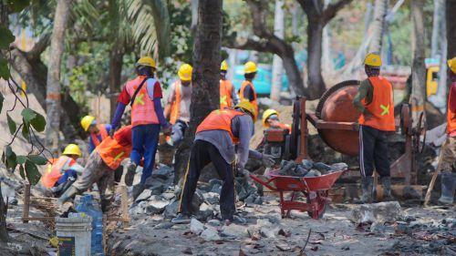 Proyek Kontruksi Revitalisasi Pantai Pangandaran Sudah Mulai di Kerjakan