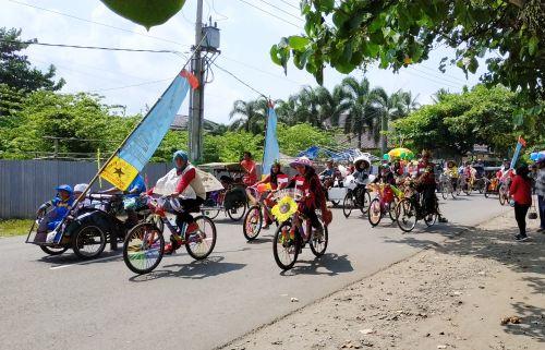 Rayakan Hari Kartini, TK Meraih Bintang Gelar Pawai Karnaval