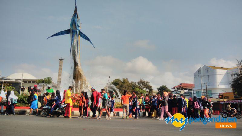 Sambut HUT RI ke-74, Desa Pananjung Pangandaran Gelar Jalan Sehat