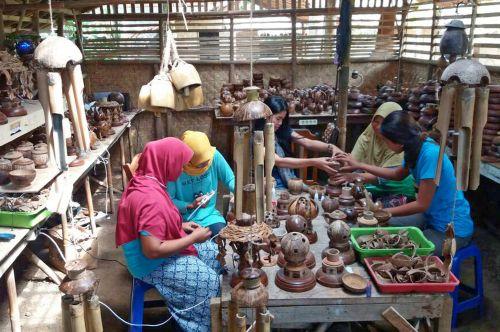 Saung Kelapa, Dari Pemanfaatan Limbah Hingga Pemberdayaan Masyarakat