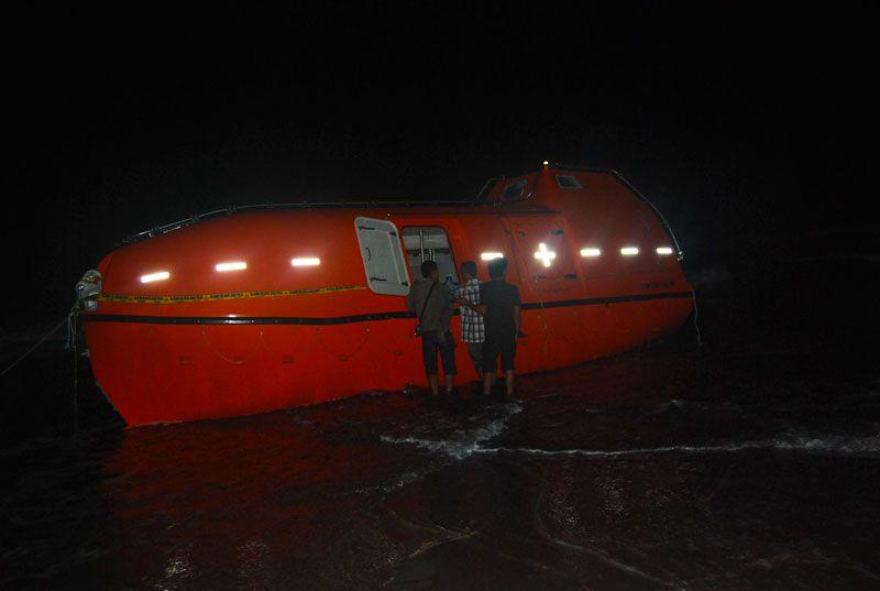 Puluhan Imigran Gelap Terdampar di Pantai Pangandaran
