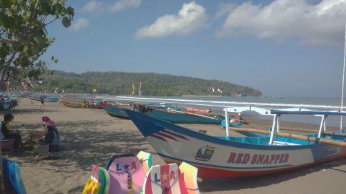 Sepi, Suasana Pantai Pangandaran Jelang Idul Adha 1440 H
