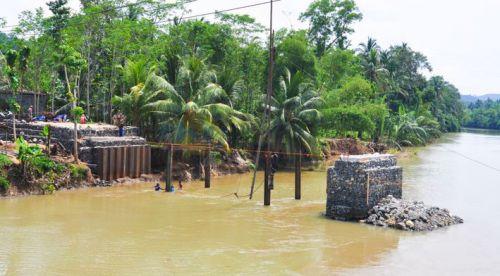 Sudah Lebih 25 Hari, Begini Penampakan Pembangunan Jembatan Bailey Putrapinggan