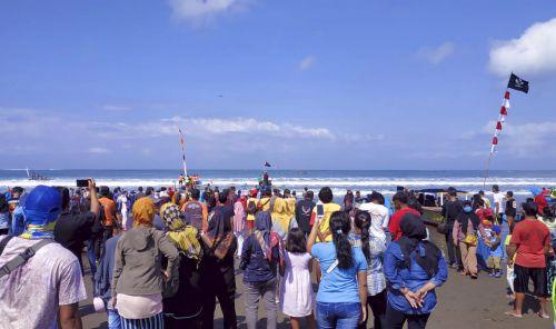 Syukuran Nelayan Pantai Barat Pangandaran Digelar Dengan Cara Sederhana