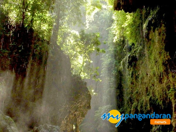 The Green Canyon - Java