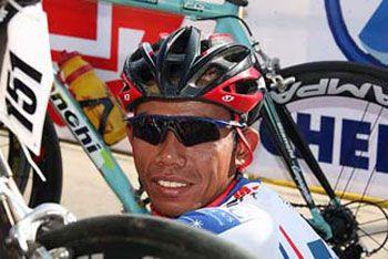 Tonton Susanto Gantung Sepeda