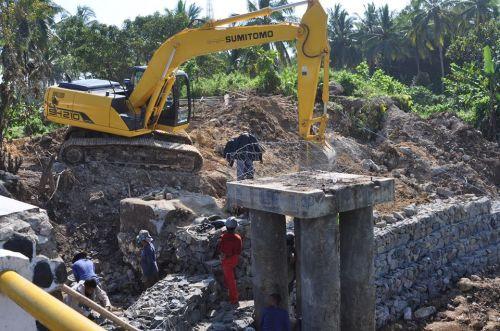 Update: Inilah Foto Terkini Proses Pembuatan Jembatan Darurat Putrapinggan Pangandaran