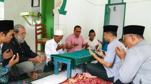 Viral, Seorang Dokter di Pangandaran Memutuskan Memeluk Islam
