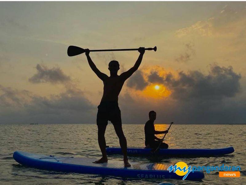 Wahana Baru, Bermain PaddleBoard di Pantai Pangandaran Berwisata Sekaligus Self Healing