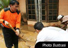 Warga Korban Banjir Cijulang Mulai Benahi Rumah
